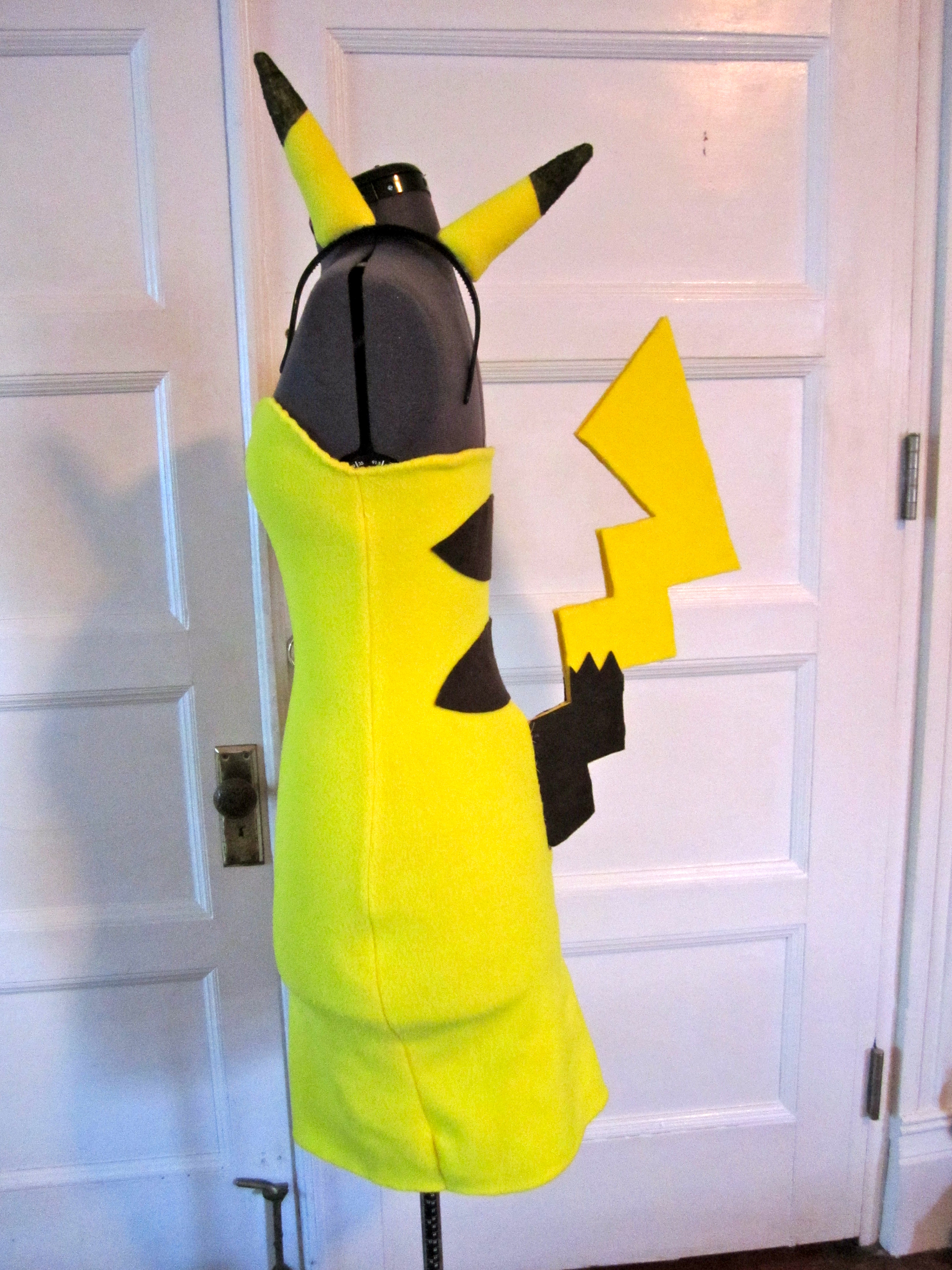 Halloween 2010 Pikachu costume/cosplay - Sewing Projects ...