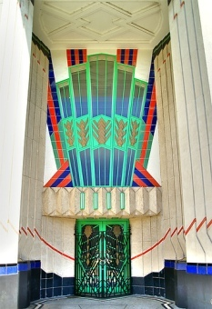 Art_deco_hoover_building_london_large