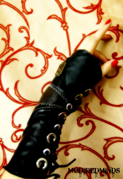 how to make a steampunk gauntlet