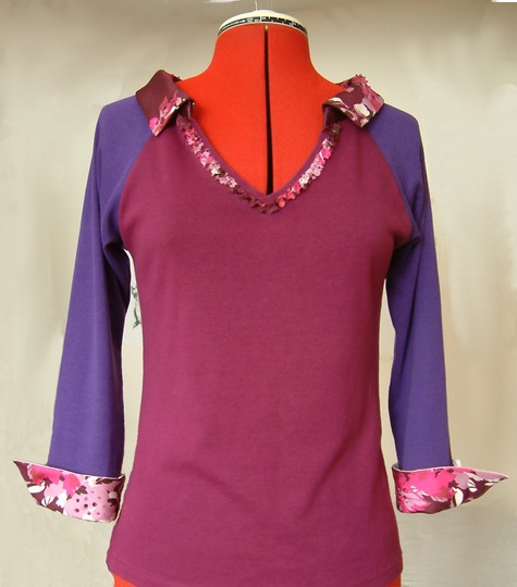 Purple_shirt_with_collar_and_cuffs_large