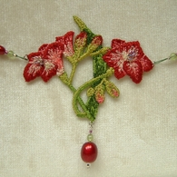 Dietz_freesia_necklace_closeup__listing