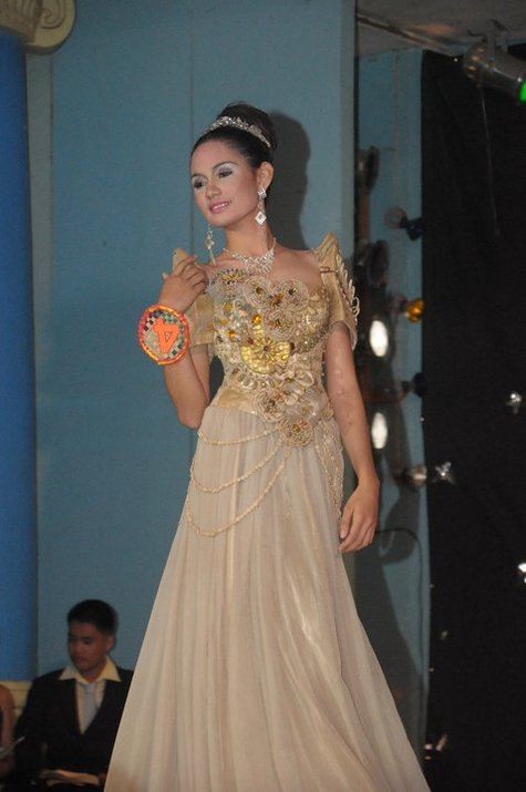 Pictures of Modern Filipiniana Dresses http://www.burdastyle.com/projects/native-filipiniana-gown