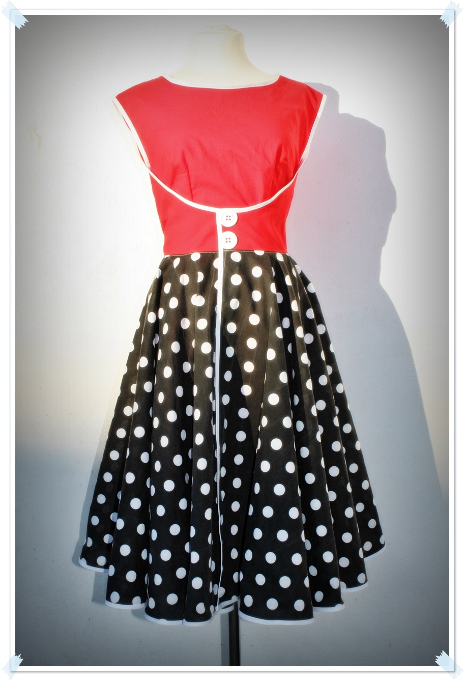 The Minnie Mouse Walk Away Dress Sewing Projects