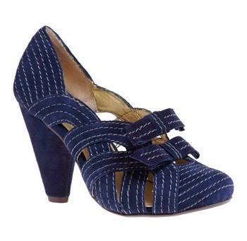 Seychelles_in_with_the_new_heel_in_navy_large