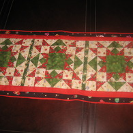 Christmas_table_runners_001_listing