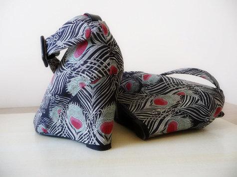 Fabric_shoes_side_large_large