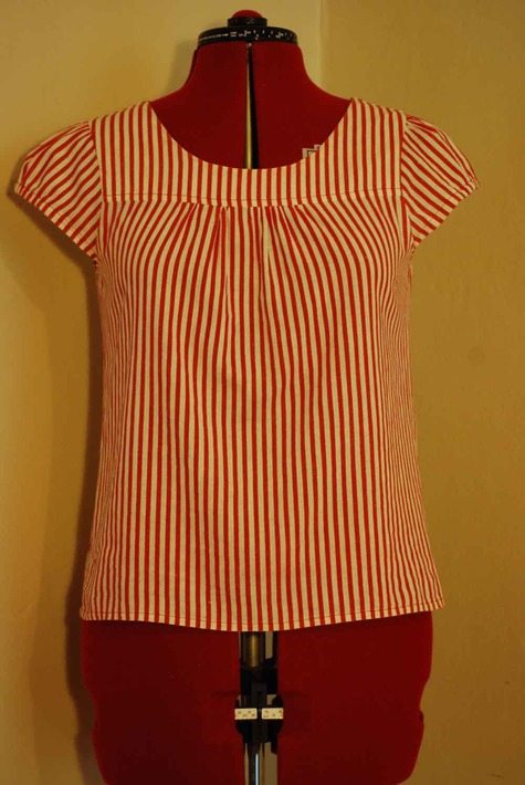 Red_stripe_front_large