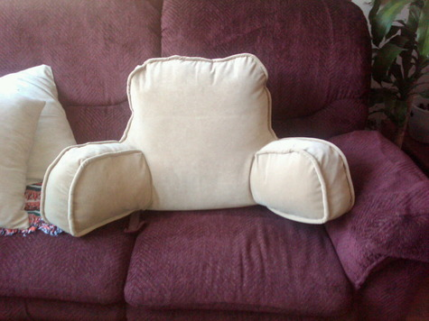 ArmChair Pillow – Sewing Projects | BurdaStyle.com