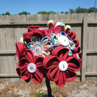 Red_flower_bouquet_in_your_hand_listing