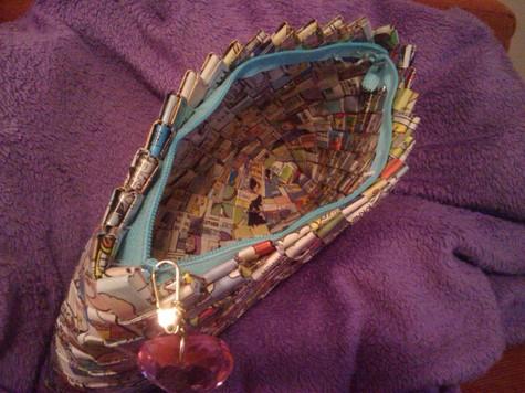 Comic_book_clutch_purse_-_inside_large