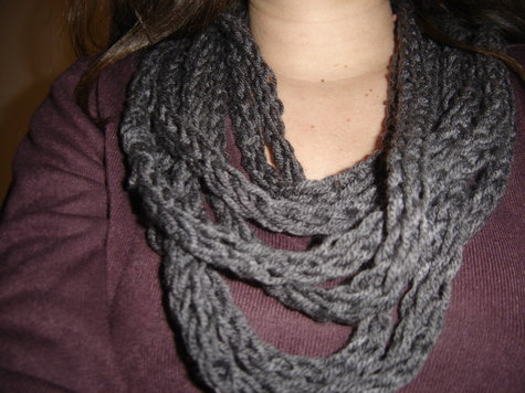 finger knit scarf