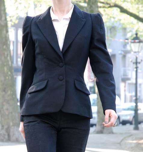 Suit2_large