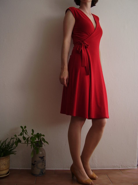 little red wrap dress sewing projects