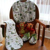 Bib_set_dragon_with_slippers_etsy_02_-_copy_listing