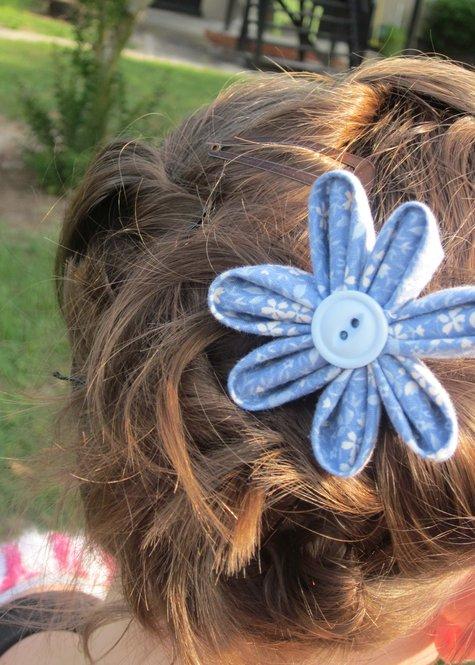 Blue_flower_in_hair_large
