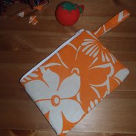 Orange_make_up_pouch_1_listing