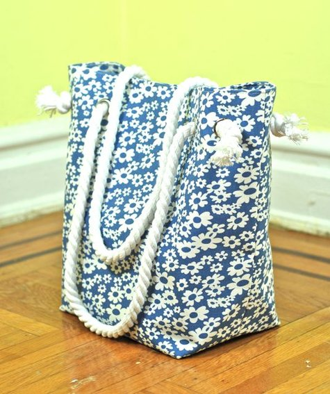 Blue_floral_tote_side_large