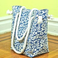 Blue_floral_tote_side_listing