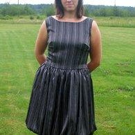 Dress_w_green_lining_listing