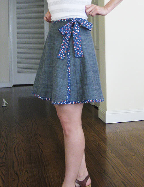 roses are white and blue wrap skirt sewing projects