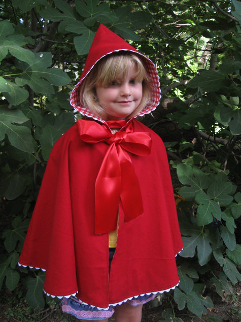 Red_riding_hood_large