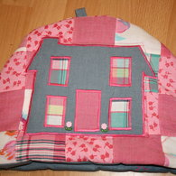Finished_tea_cosy_280910_004_listing