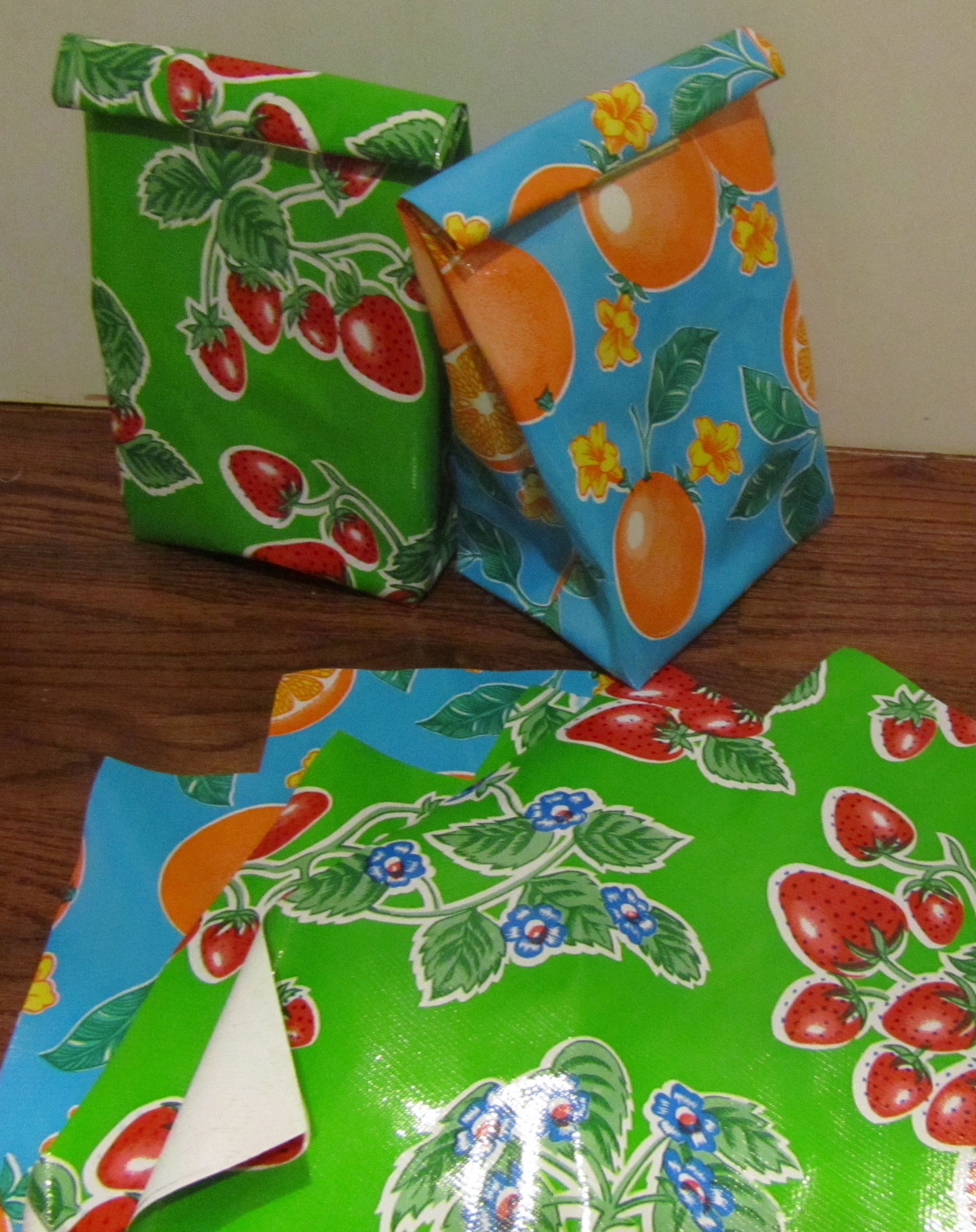 Oil Cloth Lunch Bags – Sewing Projects