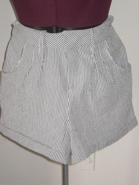 Seersucker_shorts_front_large