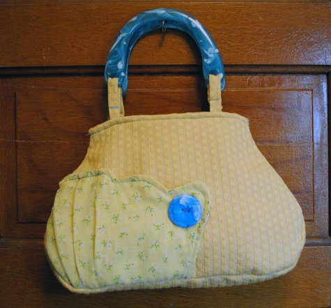 Yellow_and_blue_handle_purse_large