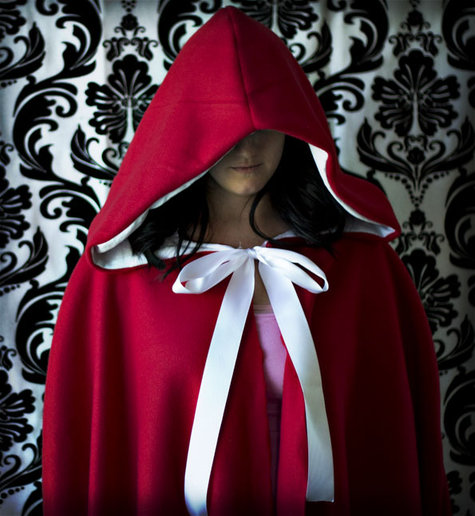 Red_riding_hood_cape_large