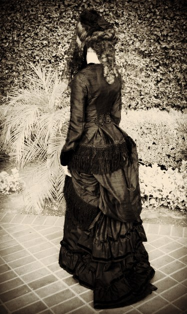 Natural Form Victorian Mourning Gown Sewing Projects