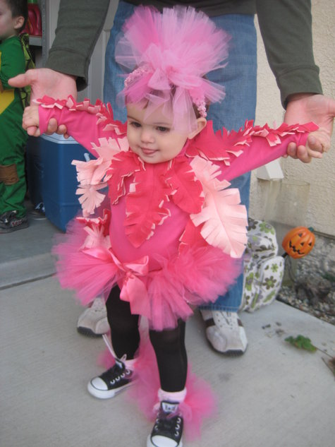 Flamingo Halloween Costume Pattern http://www.burdastyle.com/projects/bernina-halloween-2011-its-a-zoo-in-our-house-pink-flamingo