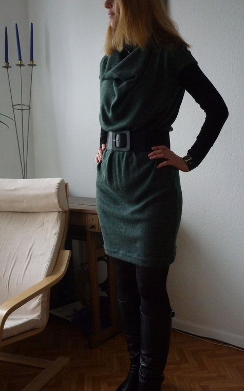 2011-11-11_graues_strickkleid2_large