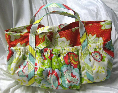Nicolle's Originals: Pattern Review: Petite Diaper Tote from One