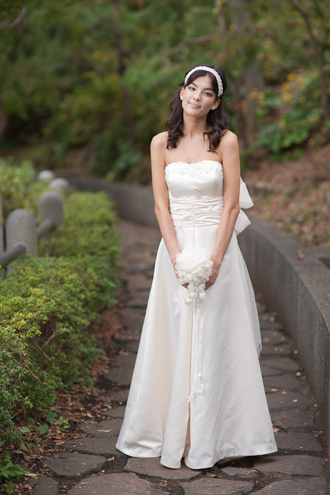 Akina_wedding_dress3_large