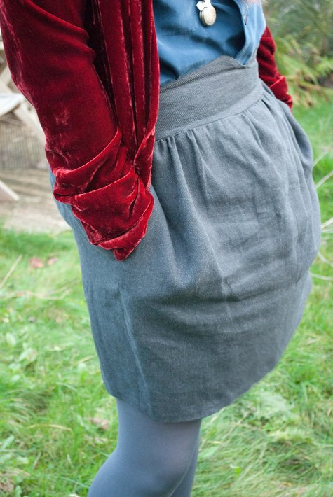 Grey_skirt_side_front_view_large