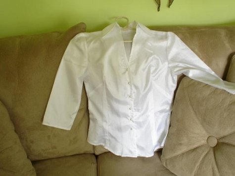 Moms_blouse_large