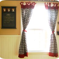 Freetutorial_retrobowcheckeredcurtains_listing