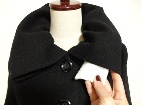 56_cashmere_coat_with_gathered_collar_03_large