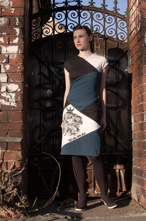 Yard_dress_01_large