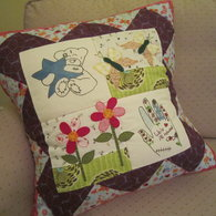 Shannons_cushion_-_front_listing