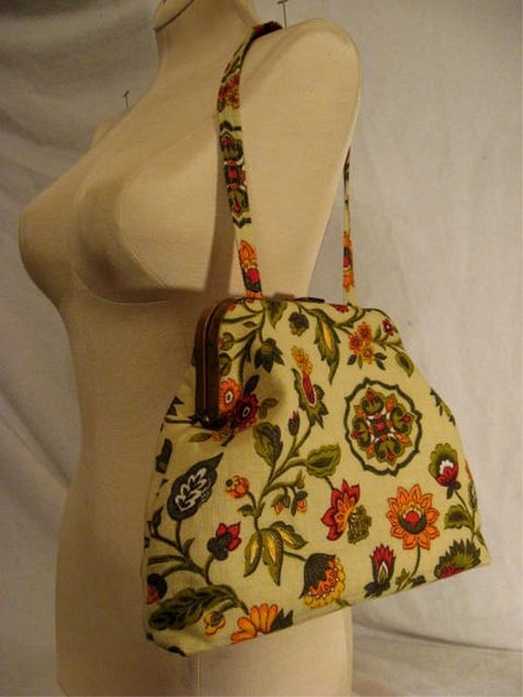 Vintageorggrnyellow_floral_framebag_large