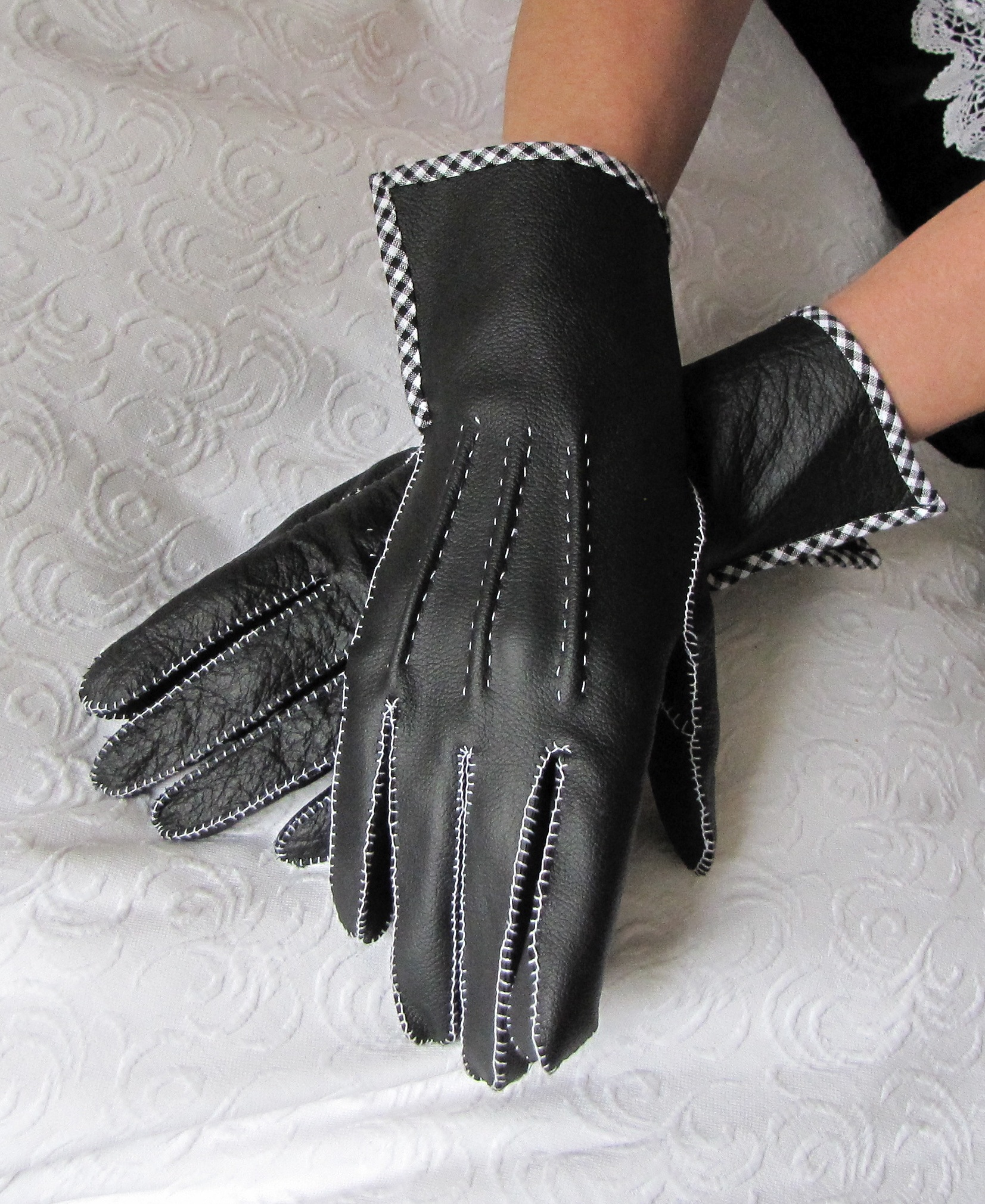 1950's Leather Gloves, hand-sewn - Sewing Projects BurdaStyle.com