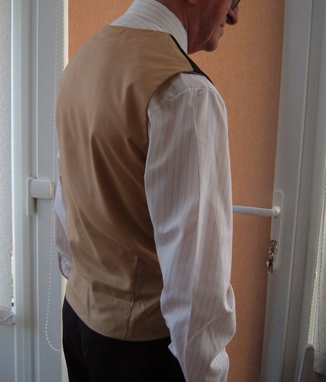 Donald_s_waistcoat_2_large