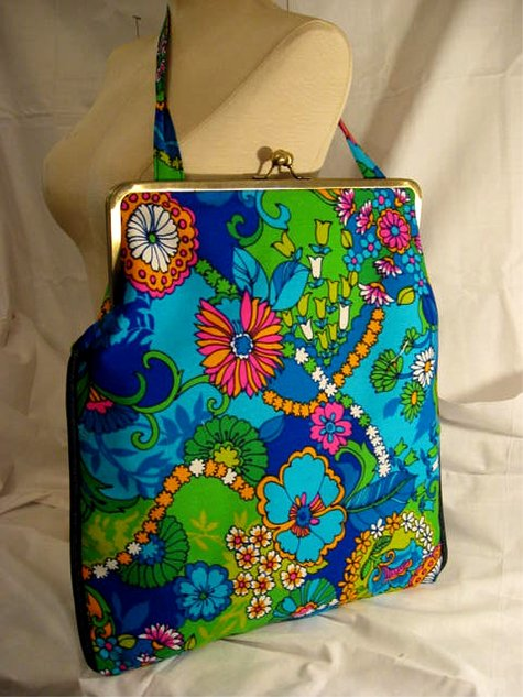 Framebag_hippielove_side_large