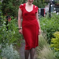 Vogue_red_dress_-_front_smiling_listing