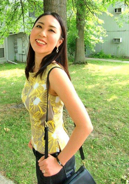 Yellowshirt2_large