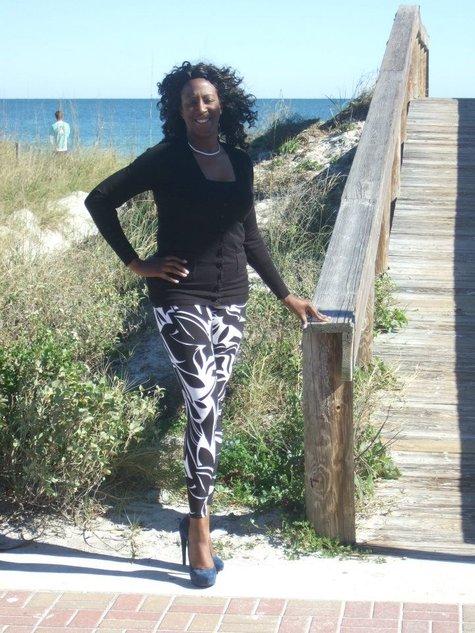 Blackandwhite_leggings_large
