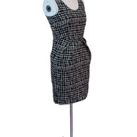 Na--black_-white-dress_on-form_listing