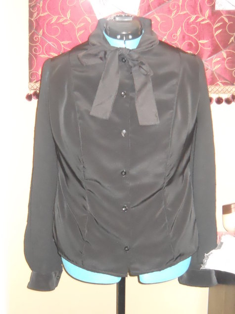 Black_tie_blouse_large